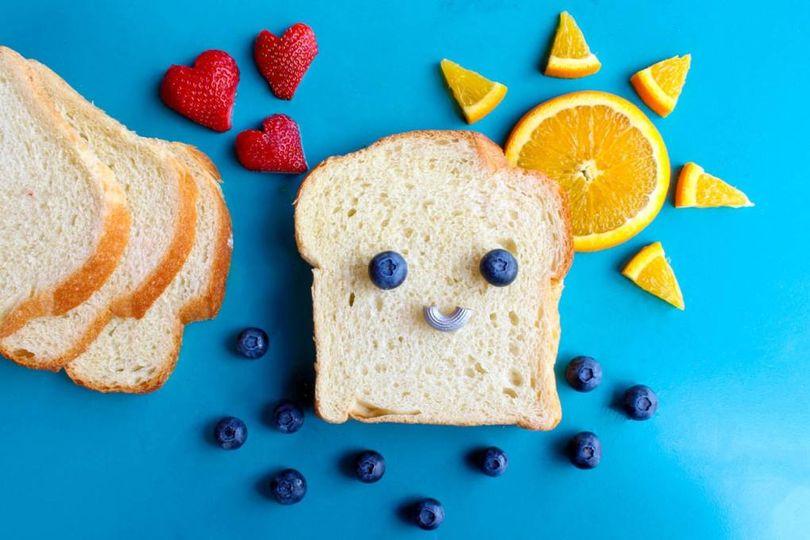 לחם חשוף
